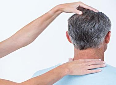 老人爬行对颈椎有影响吗